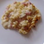 Macaroane cu 3-4-5 feluri de brânză la cuptor
